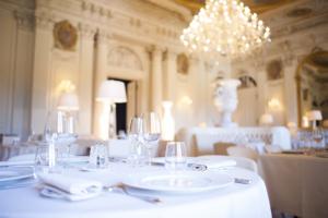 Salon Blanc du Château de Ferrières